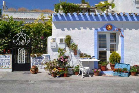 Cave House - Granada Travel Guide