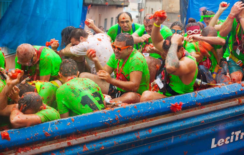 Festival fun holidays in Spain - La Tomatina