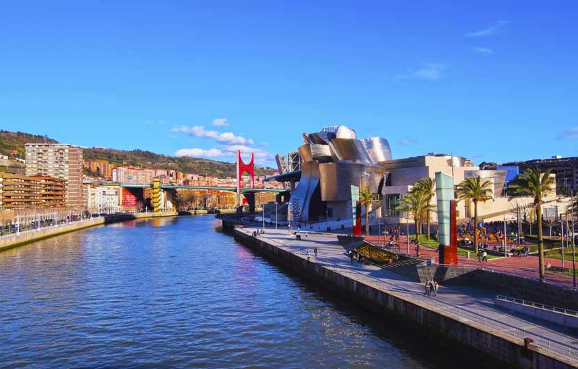 Bilbao River & Guggenheim Museum