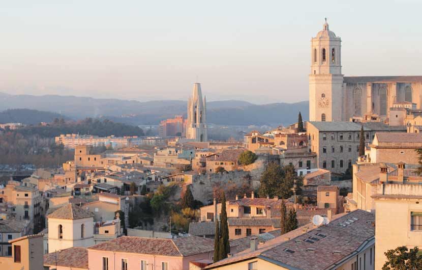 Girona City View Travel