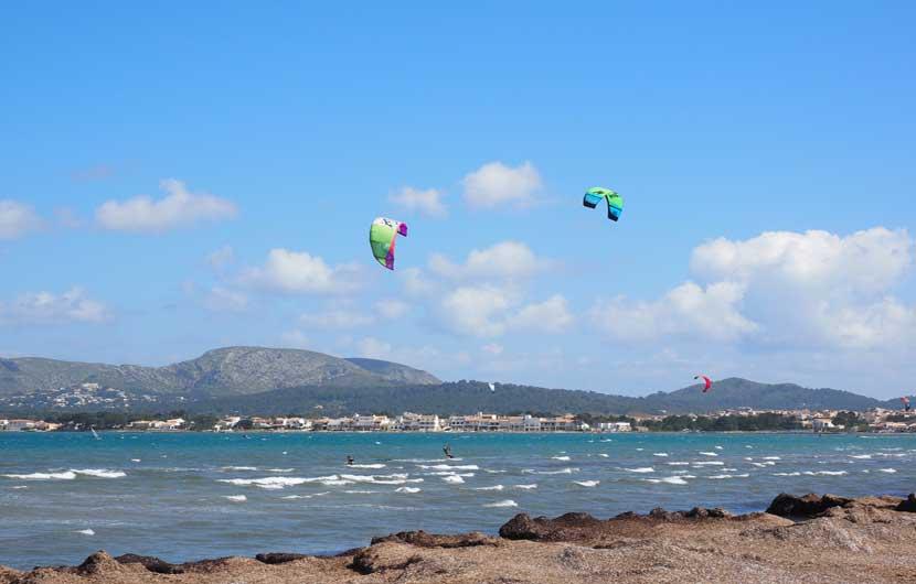 Pollensa Travel Guide - Kitesurfing in the Bay