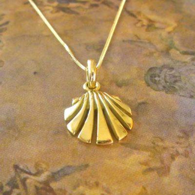 Camino Shell Necklace